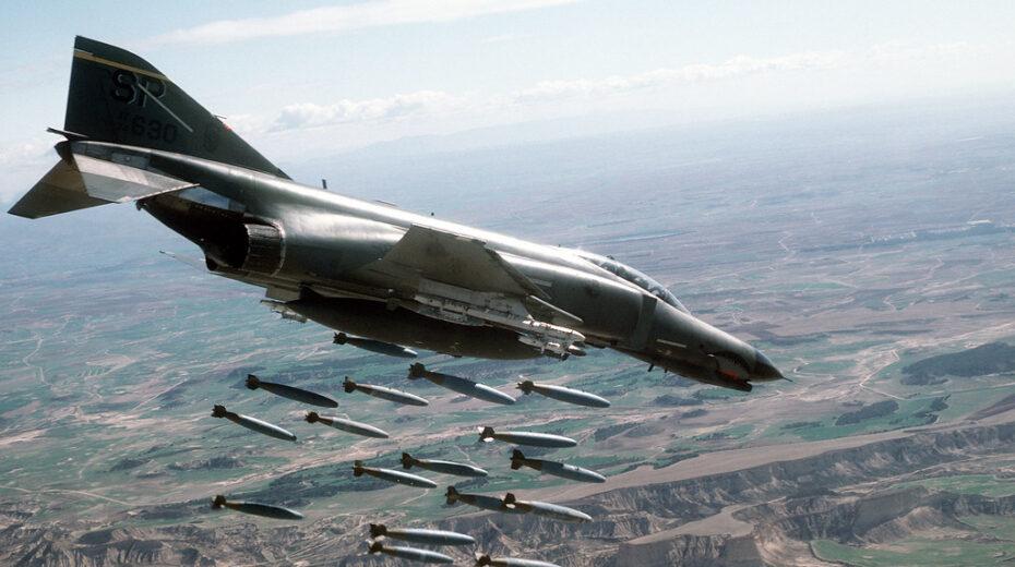 Atombomber und Luftangriffe sind keine Friedenssignale