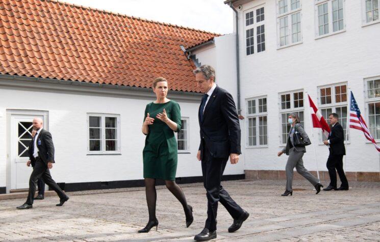 Banana Kingdom Denmark Exposed Naked in Bed with U.S. Spy Agency: Europe's Neighboring Leaders Break Silence