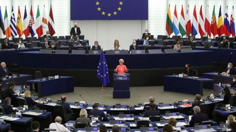 Europas US-Lakaien-Parlament greift Russland an